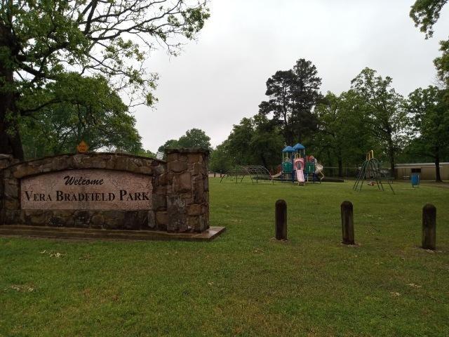 m park sign