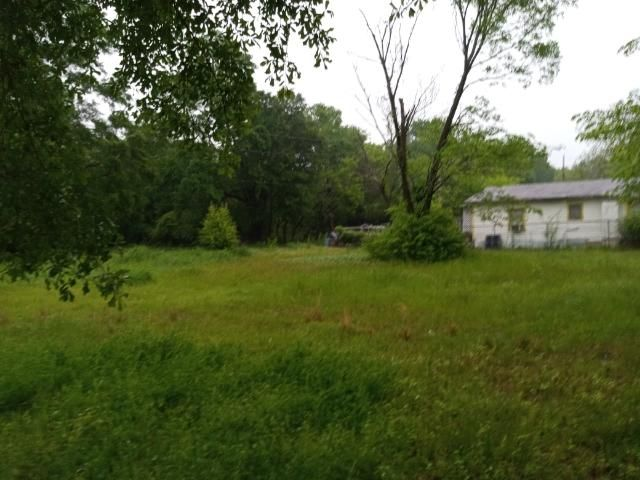 Kirby St. 4 hours from Houston ! Texarkana residential lot in Miller County off Fox St.